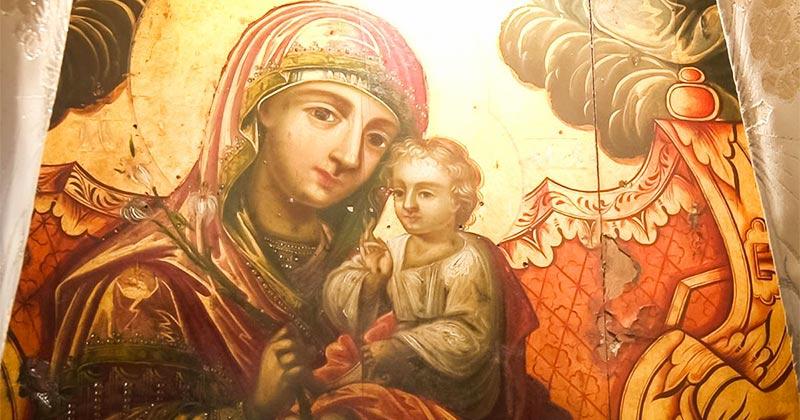 Din locul unde Maica Domnului face minuni: Când omul se roagă cu tot dinadinsul, atunci i se împlinește rugăciunea! Dacă faci aşa, o să trăieşti o minune!