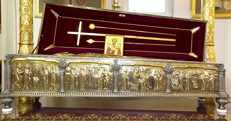 Rugăciunea Sfântului Ioan Gură de Aur pe care e bine să o spui în fiecare zi! Dumnezeu să te ferească de toate relele și pagubele și să-ți dea reușită în viață, Amin!