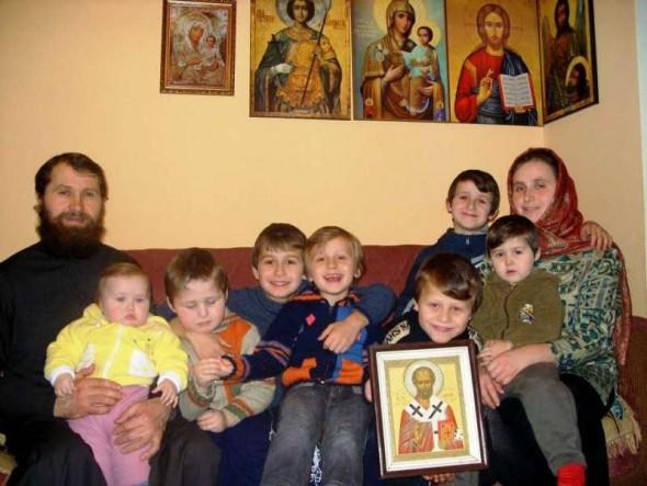 24 de ore ortodoxe – Uite cum arată programul unei familii de preot