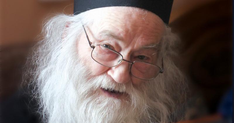 """Părintele Iustin Pârvu dă mărturie despre Minunea mare a Sfinţilor Trei Ierarhi, pomeniţi azi! """"Sfinţii Trei Ierarhi au fost cu noi şi ne-au ajutat, chiar în ziua de 30 ianuarie"""" Mare putere au!"""