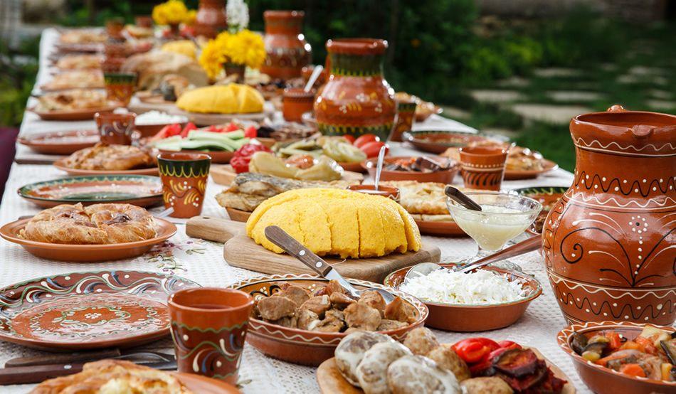 Mare atenție! Acestea sunt cele 5 mari păcate făcute la masă, prin mâncare!