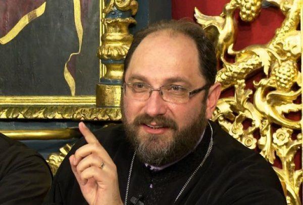 """Părintele Constantin Necula: """"Să nu trădezi nici icoana din spatele tău, nici femeia din faţa ta"""""""