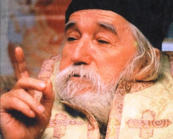 Părintele Cleopa Ilie: Acest preaurât şi blestemat păcat, macină sănătatea trupului, dezbină familia, îmbolnăveşte copiii…