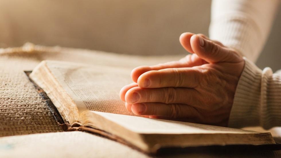 Spune această rugăciune dimineața și seara, la început de săptămână, ca să scapi de pericole! Te scoate din orice impas și îți dă mare putere!