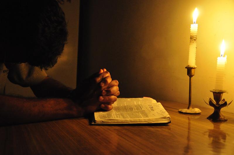 """Repetă rugăciunea aceasta și nu te mai teme de nimic! E atât de ușor de ținut minte! Începe așa: """"Cruce sfântă, culcă-mă…"""""""