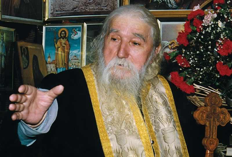 """Părintele Cleopa: """"Dumnezeu de la omul bolnav, două lucruri cere! Orice bolnav care crede în Hristos şi are dreapta credinţă, atât trebuie să zică…"""""""