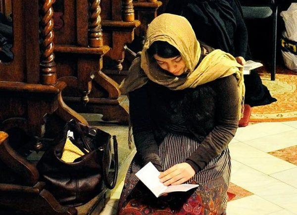 Cel mai bun program de rugăciune, recomandat de Părintele Arsenie Papacioc! Rugăciunea folositoare pe care e bine să o spui zi de zi