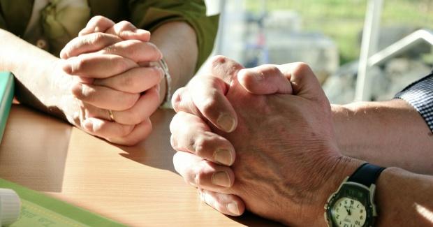 Rugăciunea care te ajută în vremuri de necaz