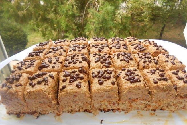 Prăjitura cu nucă și ness pe care o puteți pregăti oricând vă este poftă de ceva delicios!