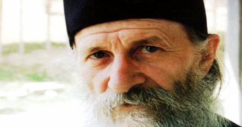 Părintele Ioanichie Bălan: Întotdeauna când plec undeva şi când încep ceva zic așa! Prin aceste 2 cuvinte întotdeauna reuşesc în toate, Dumnezeu mi-ajută la toate!: