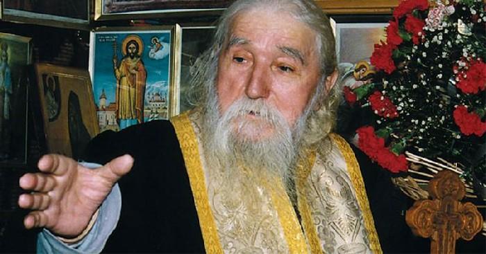 Părintele Cleopa: Trei uși ai de încuiat atunci când te rogi ca să te asculte Dumnezeu!