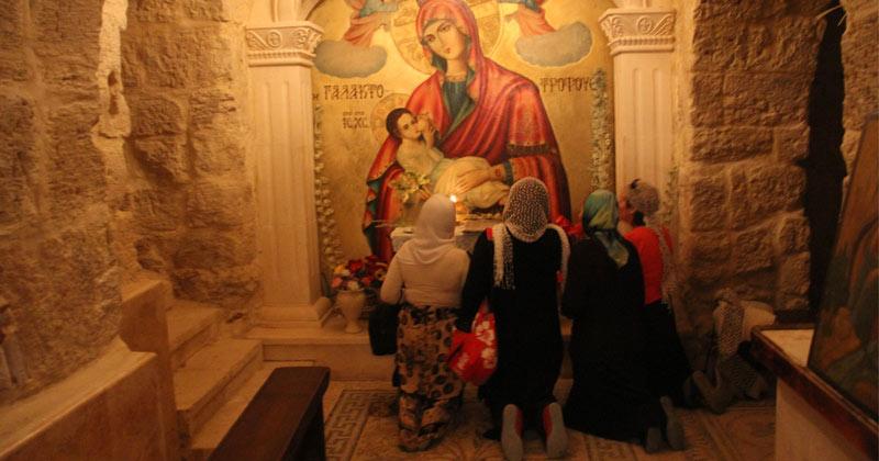 Ne-am rugat o dată, de două ori, de trei, de zece, de douăzeci de ori şi n-am primit nimic. Nu înceta să te rogi până ce nu primeşti ceea ce doreşti! Cum se face rugăciunea ca să fie primită: