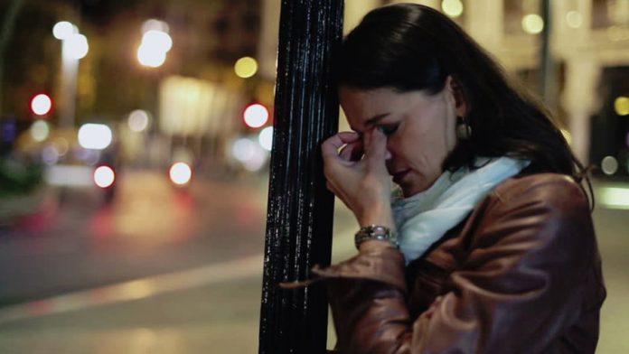 Sărăcia și grijile m-au izgonit de acasă. Am salvat viitorul copiilor mei, dar mi-am rătăcit sufletul printre străini