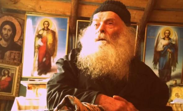 Cu cât veţi face semnul Sfintei Cruci pe pernă şi pe faţă, cu atât mai mult vă va ajuta Duhul Sfânt, Care va izgoni de la voi aceste duhuri