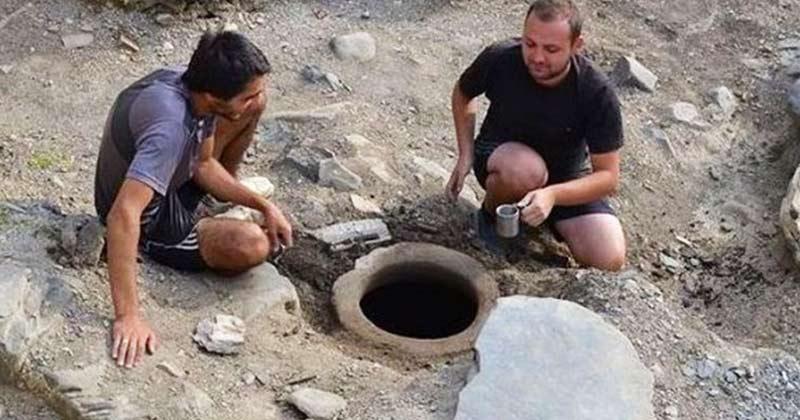Mare minune! S-a descoperit Agheazma de 1.300 de ani! 1 tonă! De unde se procură și cum se folosește!: