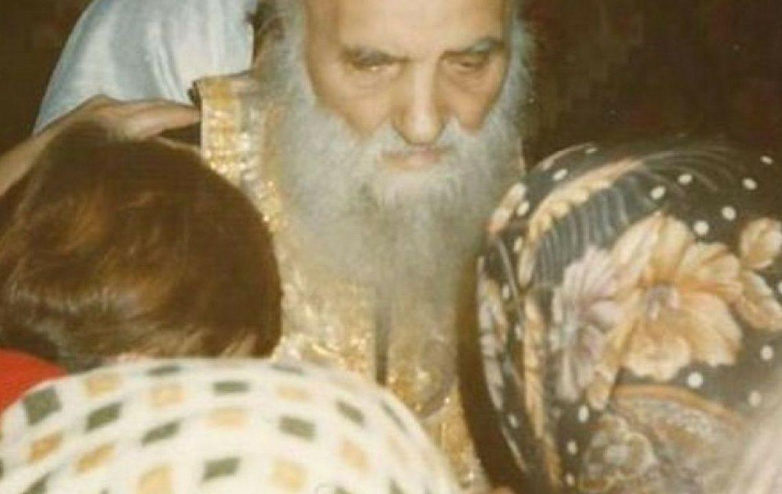 VIDEO – Cum te ferești de farmece și de blesteme, potrivit părintelui Ilarion Argatu. Învățăturile pline de tâlc ale marelui duhovnic