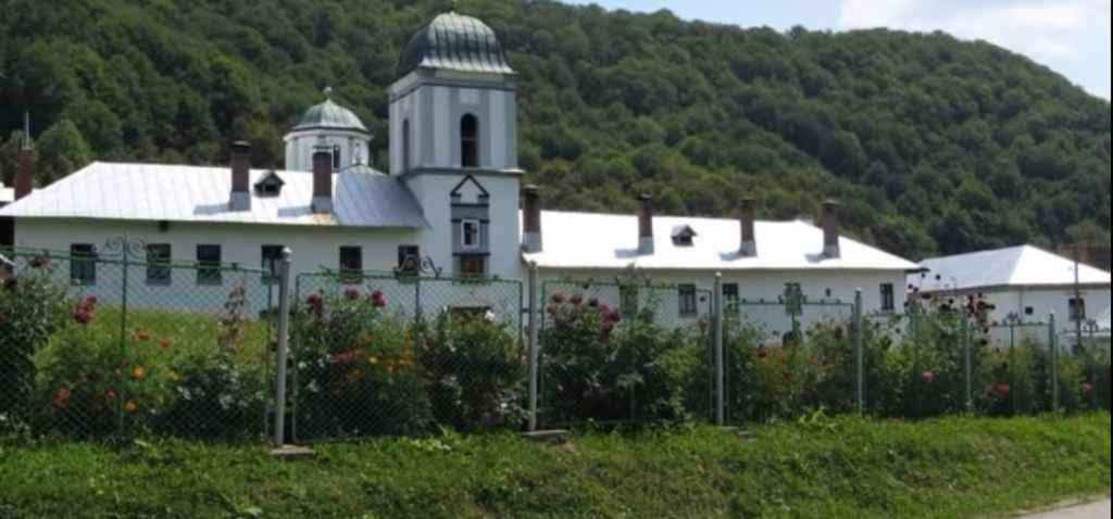 Athosul României. De ce nu au voie femeile la Mănăstirea Frăsinei. Imagini dintr-un loc misterios – VIDEO