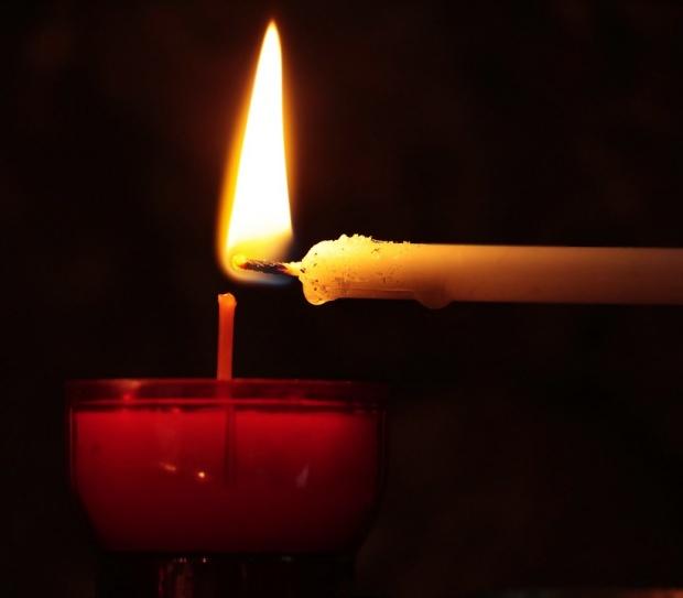 Se spune că e cea mai puternică rugăciune pentru îndeplinirea dorințelor. Aprinde o lumânare și pune-te în fața…
