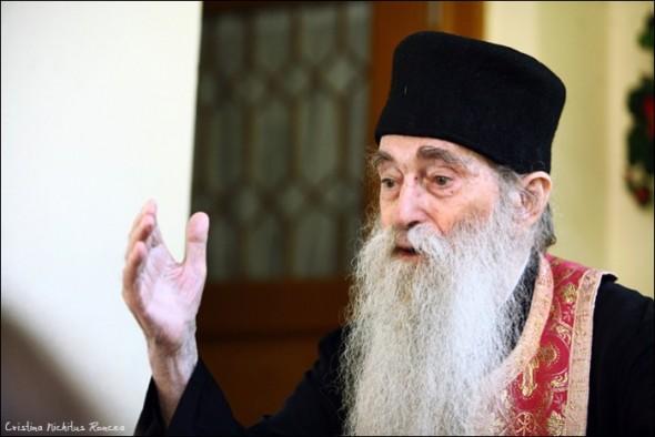 Cum scăpăm de tristeţe? Sfaturi înțelepte de la un mare duhovnic român: