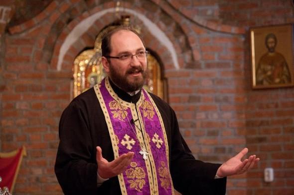 Părintele Constantin Necula: Când nu ne împlinim în iubirea cu celălalt, este pentru că ne-am dorit un anumit iubit pe care ni l-am creat psihologic! Așa se explică drama fetelor necăsătorite! Ia aminte!
