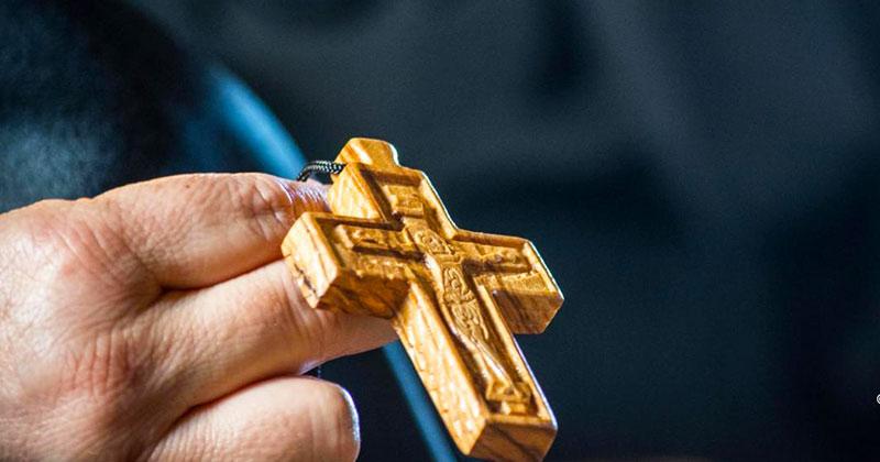 Rugăciunea Sfintei Cruci! Mare putere are asupra tututor relelor! Se spune 3 zile, azi, mâine şi poimâine, 14 septembrie, Înălţarea Sfintei Cruci! Sfânta Cruce, apără-ne şi ne ocroteşte!