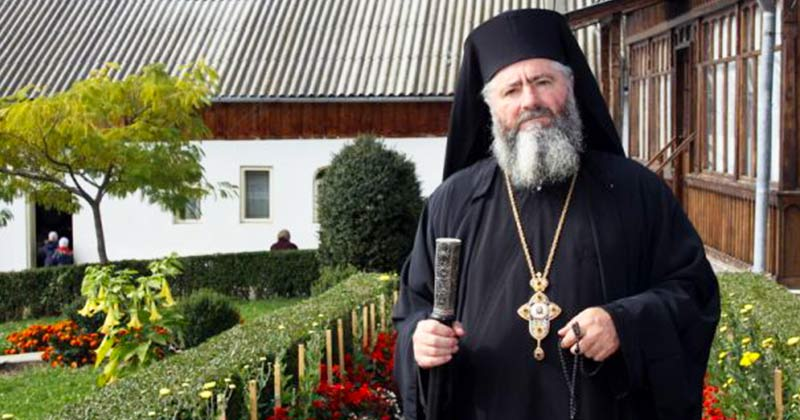 """Preot la o mănăstire sfântă: Să spui aceste cuvinte și nimic rău nu te va mai putea ajunge: """"Nu mi se întâmplă nimic rău, Dumnezeu are grijă de mine, sunt sigur de asta""""! Fac minuni, încearcă și tu!"""