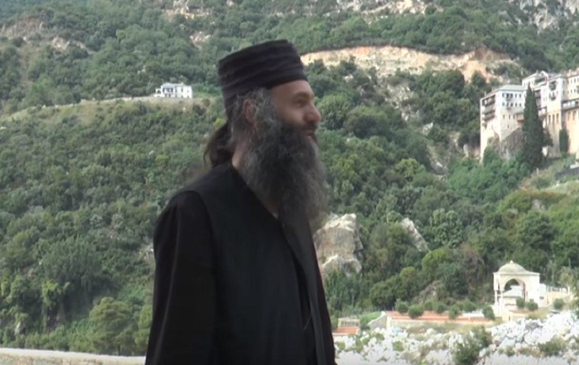 Ce se întâmplă cu adevărat cu femeile care ajung pe Muntele Athos, muntele interzis