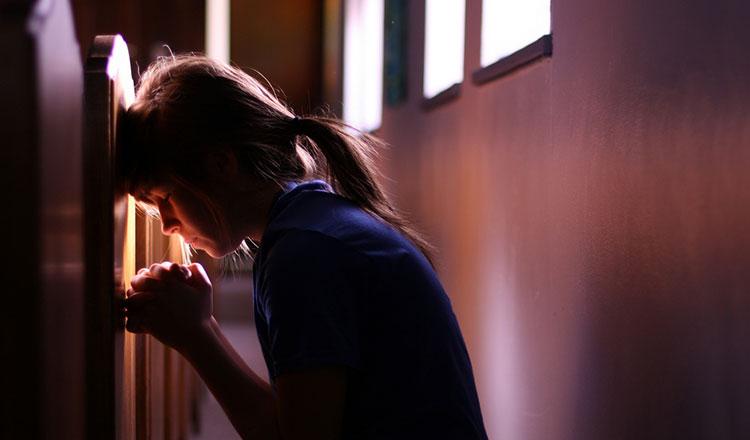 Rugăciunea care vă ajută să depășiți orice urma de tristete si depresie!