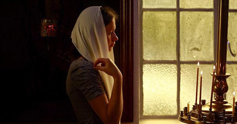 """""""Doamne, pentru rugăciunile tuturor celor care mă iubesc, mântuieşte-mă""""! Rugăciunea care face minuni dacă o spui în fiecare zi înainte să mergi la culcare!"""