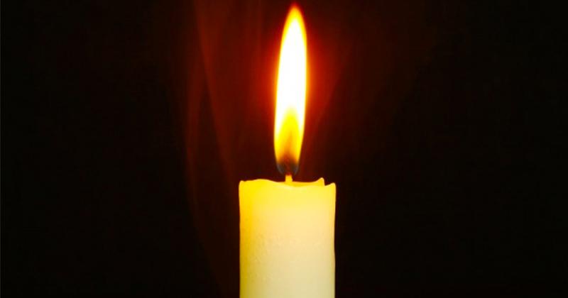 Extrem de important! Ai acasă o lumânare de la noaptea de Înviere? Să nu cumva să o arunci sau să o pui laolaltă cu celelelalte lumânări! Aşa e bine să faci: