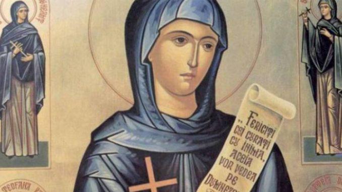 Rugăciune deosebit de puternică către ajutătoarea noastră în necazuri și nevoi, Sfânta Cuvioasă Parascheva, pe care o prăznuim AZI, 14 octombrie! Să citim această rugăciune pentru a avea binecuvântarea și ocrotirea ei!