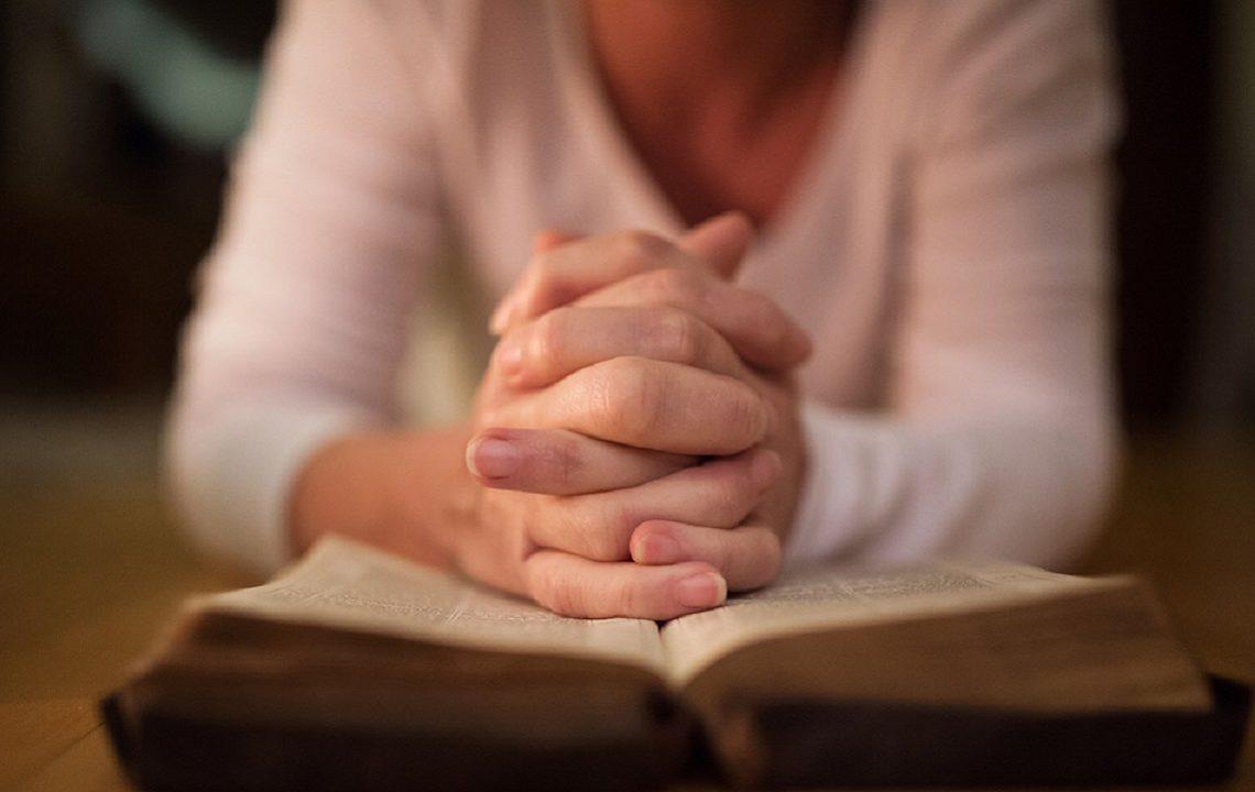 Cea mai puternică rugăciune pentru dezlegarea cununiilor! Se spune nouă seri la rând