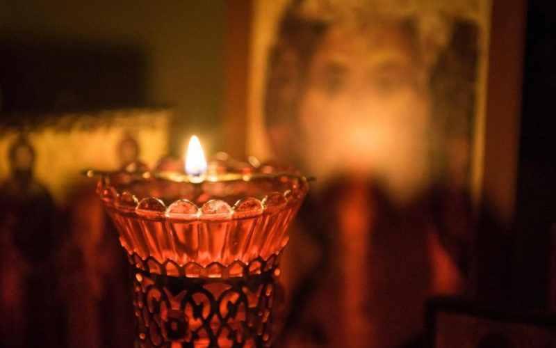 Iata de ce este bine sa avem in casa o candela aprinsa mereu!