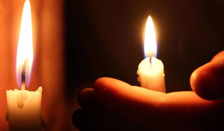 """De ce lumânarea, fără rugăciune, nu îți poate """"curăța"""" casa de lucrurile rele?"""