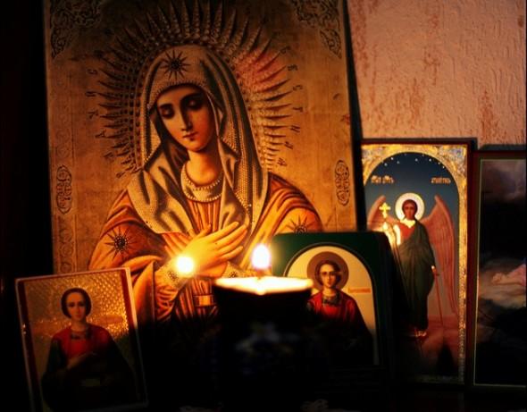 A avea ca mamă pe Maica Domnului e darul neprețuit pe care ni L-a făcut Dumnezeu