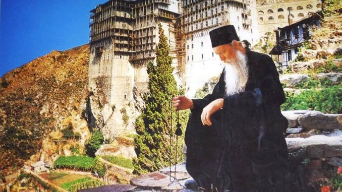 Intamplare reala: Minunea arătării Maicii Domnului unui sărac