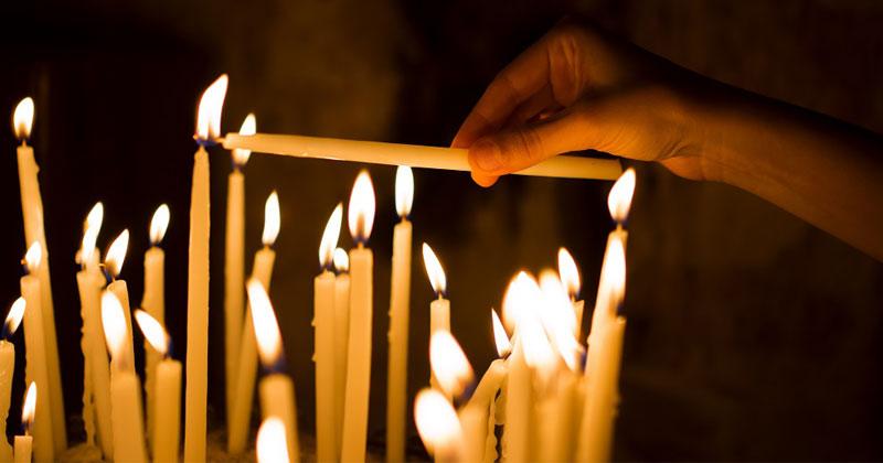 2 rugăciuni extrem de puternice pentru vrăjmaşi! Spune-le cu zdrobirea inimii şi aprinde o lumânare! Fac minuni!