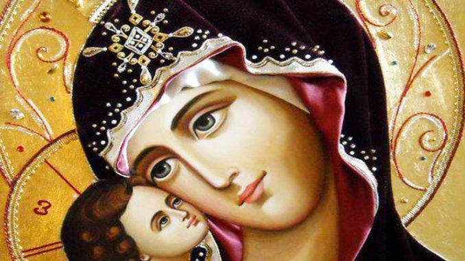 Cele mai puternice doua rugaciuni pentru mame: pentru fiu si pentru fiica. Rosteste-le in fiecare zi pentru sanatatea copiilor