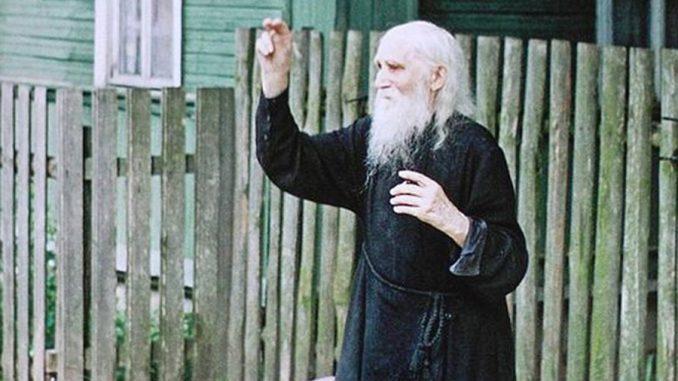 """""""Preotul din sat m-a învățat să fac trei lucruri în fiecare zi, când plec de acasă"""""""